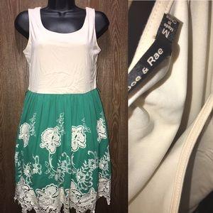 Size Medium Doe And Rae Vintage Dress